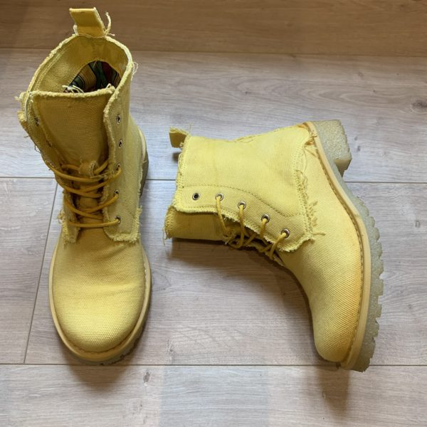 chaussures boots jaune Felmini
