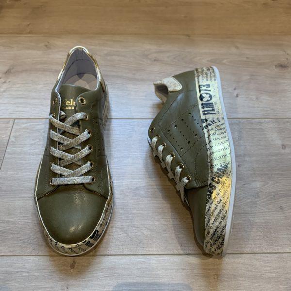 chaussures basket kaki semelle graffiti