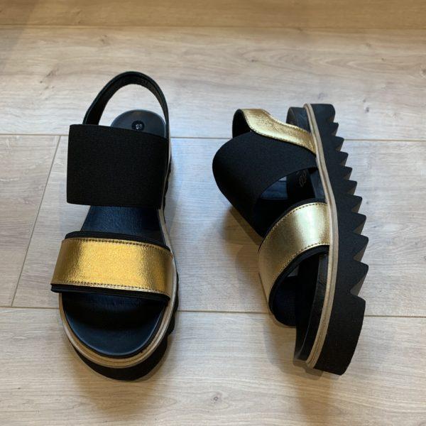 chasssure sandale noir et or