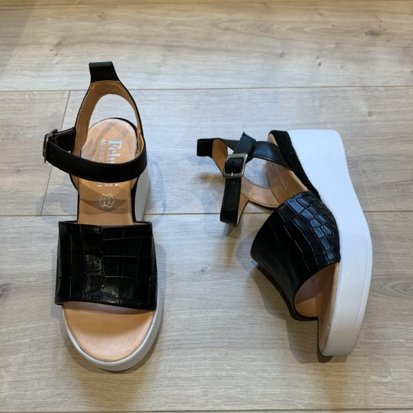 chaussures sandale noir plateforme