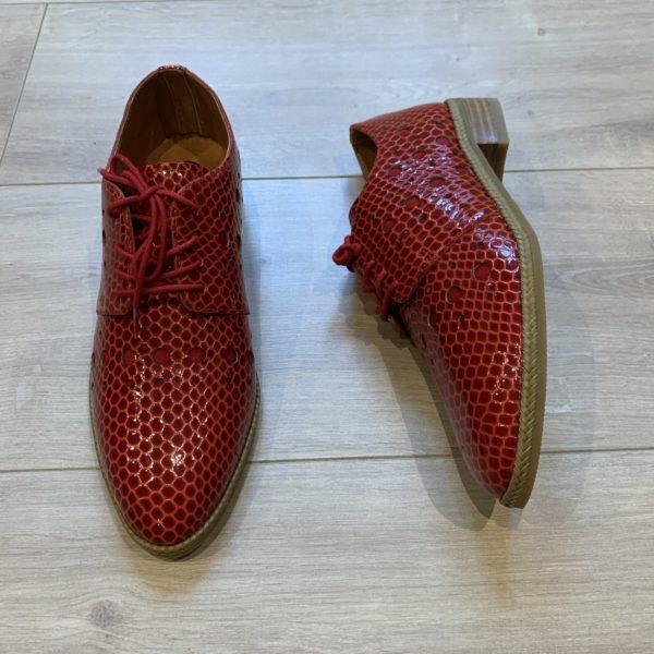 chaussures derbies rouge vernis