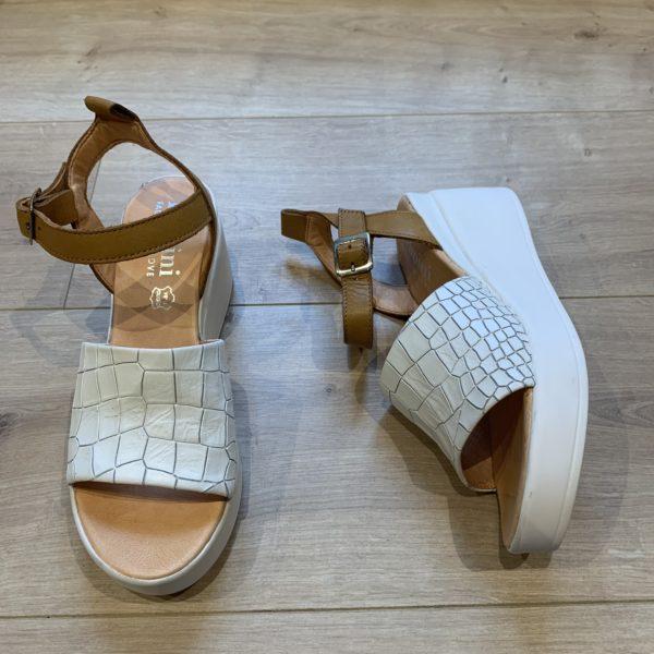 chaussures sandale compensé blanc croco