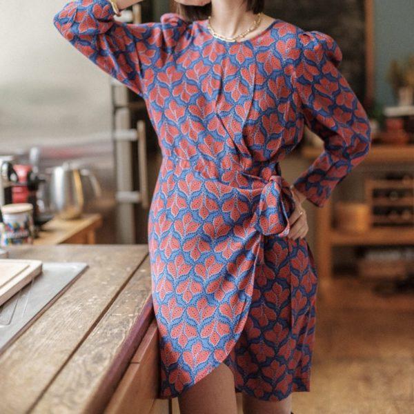 robe porte-feuille bleu roi et rosier