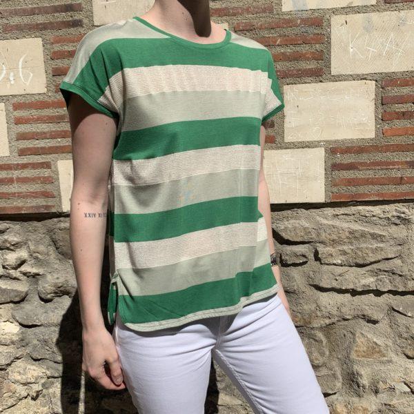 T-shirt à rayures vert et beige