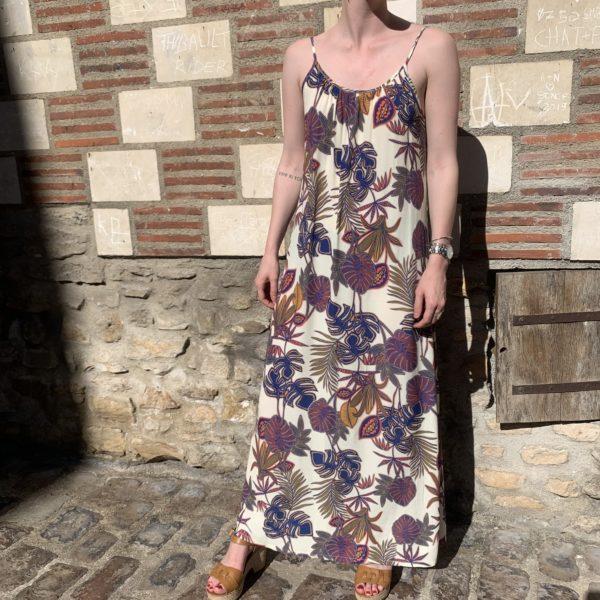 Robe longue à bretelle motifs fleurs